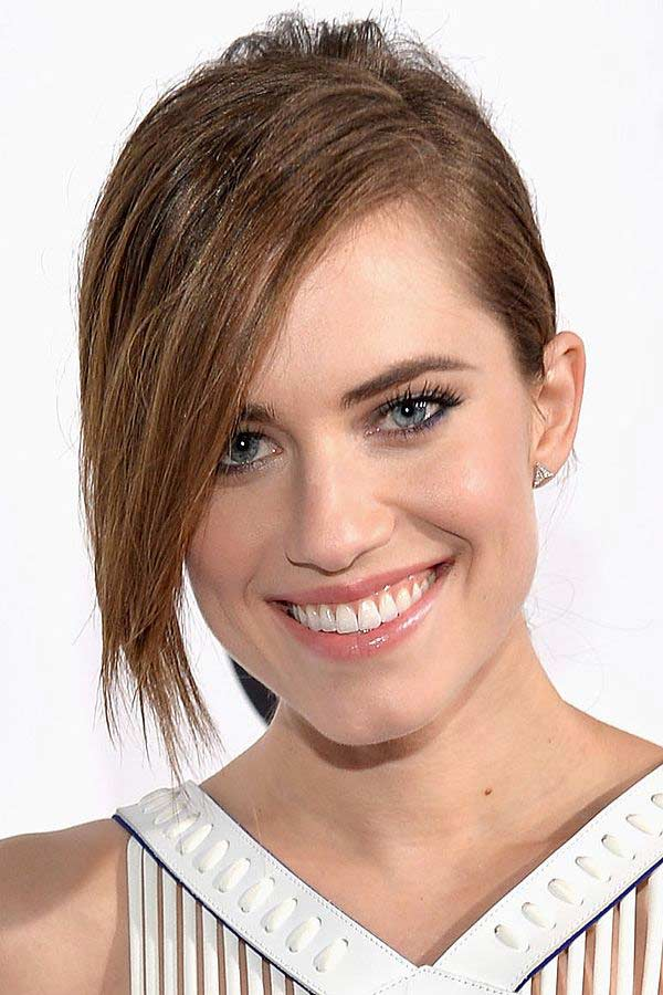 Allison Williams Hair Color Hair Colar And Cut Style