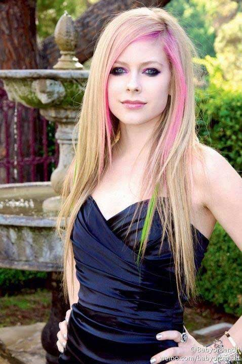 Avril Lavigne Hair Color Hair Colar And Cut Style
