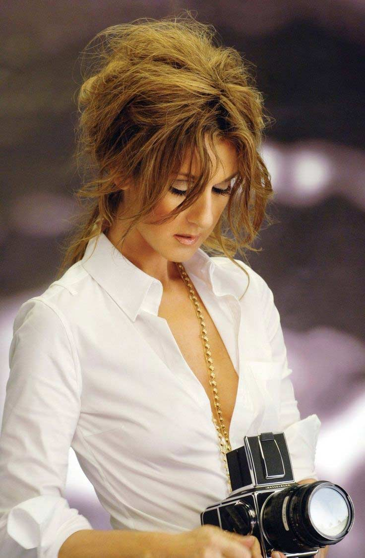 celine dion Celine official website explore the latest ready to wear collections from celine : ready-to-wear, handbags, small leather goods, shoes, jewellery and sunglasses.