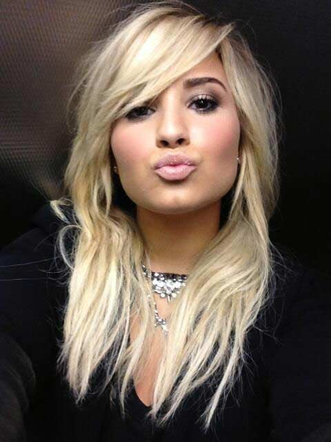 Demi Lovato Hair Color Hair Colar And Cut Style