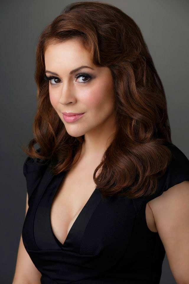 Alyssa Milano Hair Color Hair Colar And Cut Style