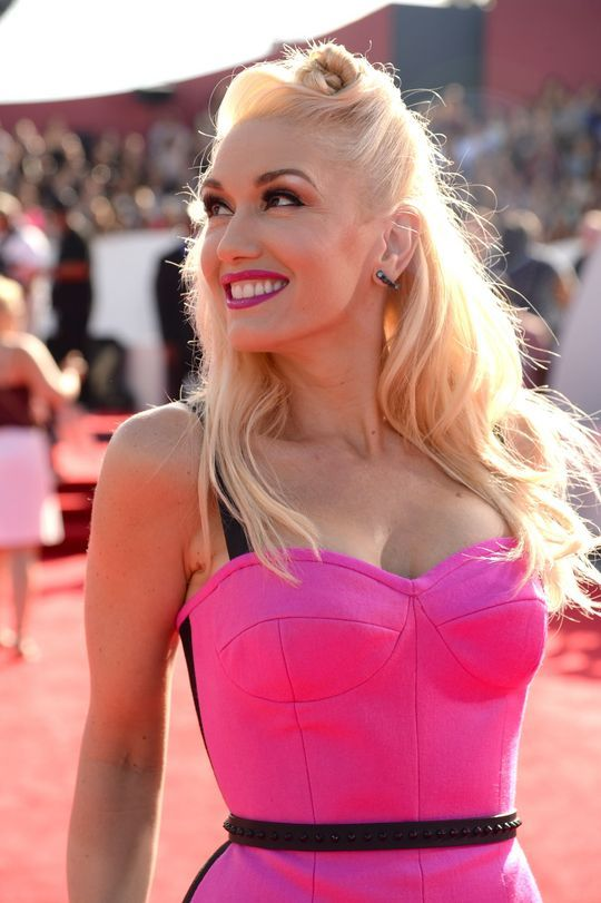 Gwen Stefani Hair Color Hair Colar And Cut Style