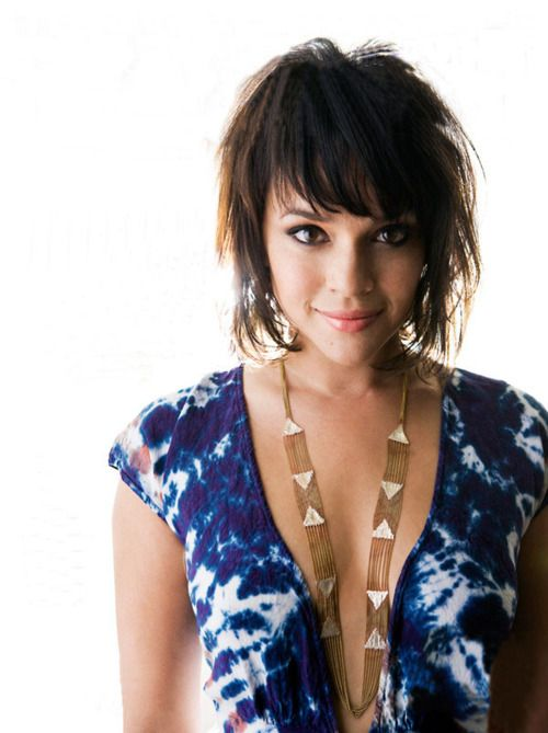 Norah Jones Hair Color - Hair Colar And Cut Style