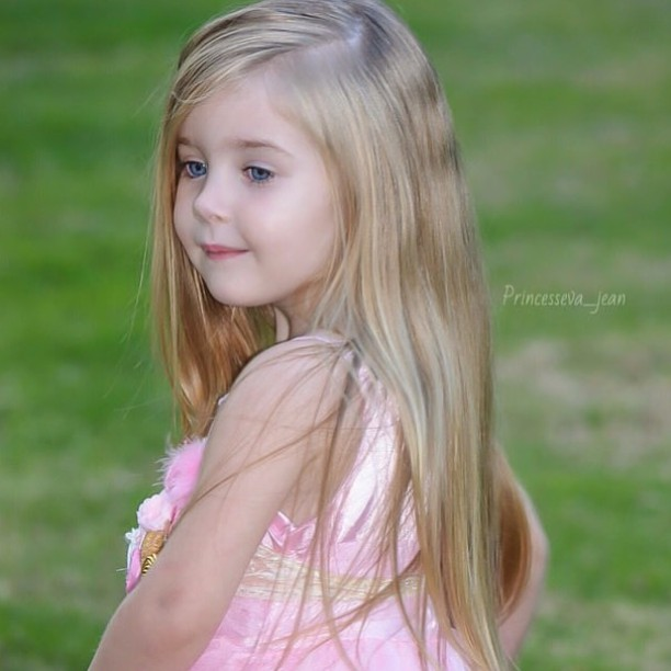 Blonde Kid Girl Hair Colar And Cut Style