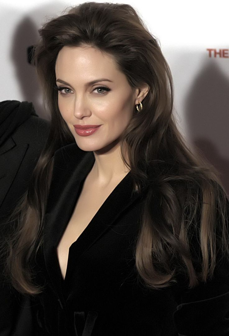 Angelina Jolie Hair Color Hair Colar And Cut Style
