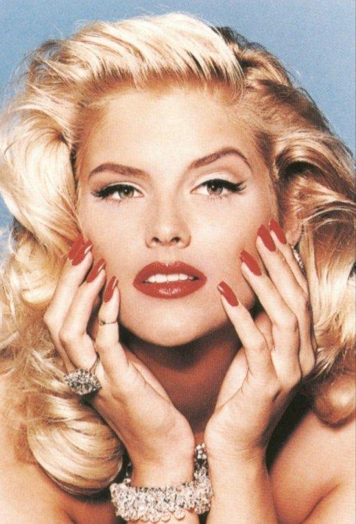 Anna Nicole Smith Hair Color - Hair Colar And Cut Style
