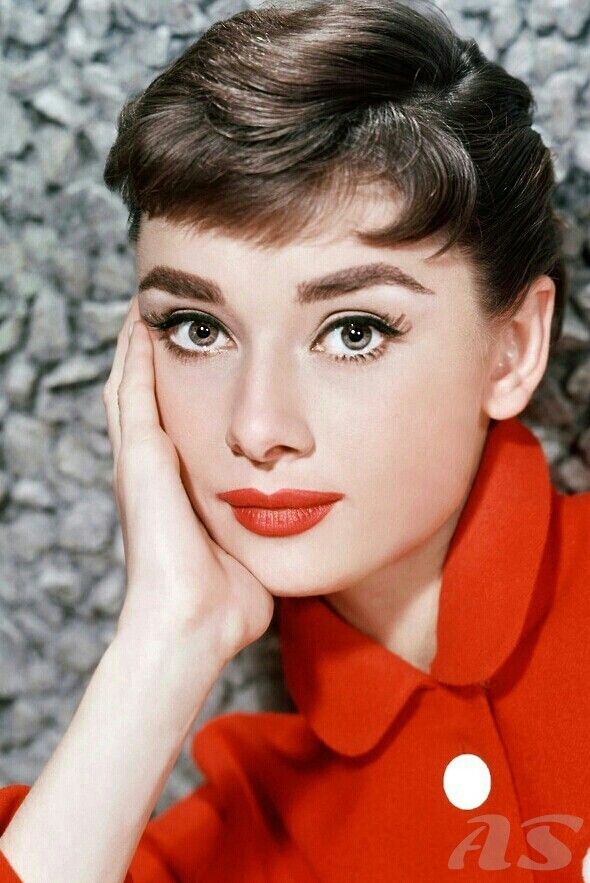 audrey hepburn hair color hair colar and cut style. Black Bedroom Furniture Sets. Home Design Ideas