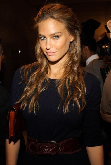 Bar Refaeli Hair Color Hair Colar And Cut Style