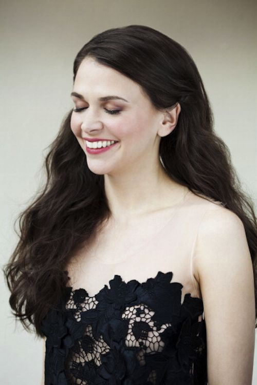 Sutton Foster Hair Color Hair Colar And Cut Style