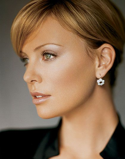 Charlize Theron Hair Color Hair Colar And Cut Style