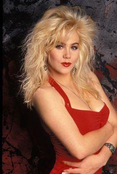 Christina Applegate (1998) Photo Credit: Dick Zimmerman_Shooting Star™