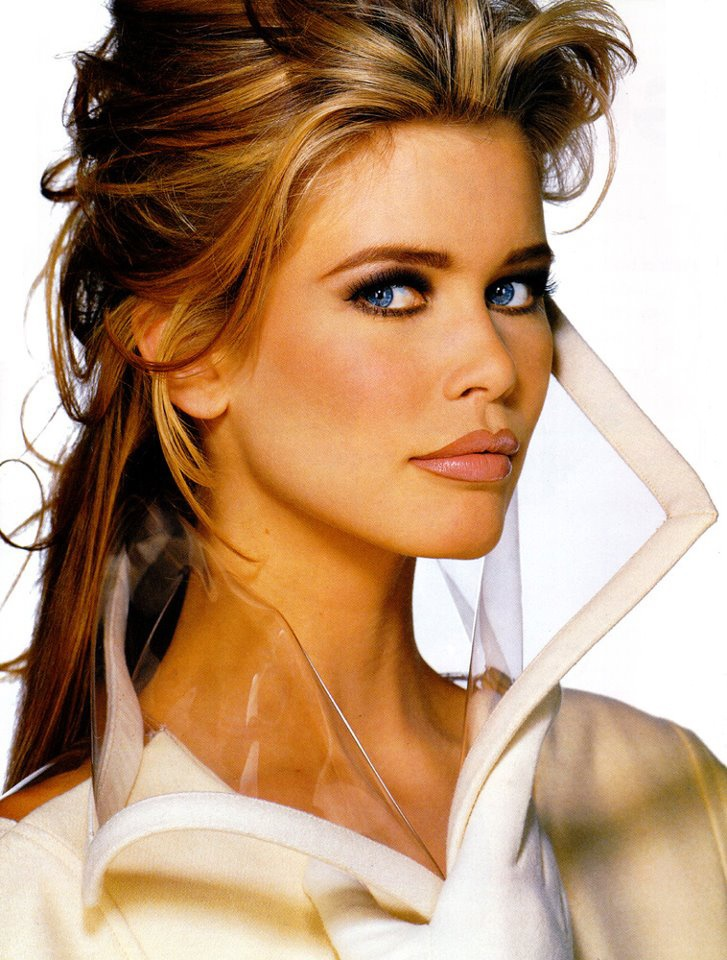 Claudia Schiffer Hair Color Hair Colar And Cut Style