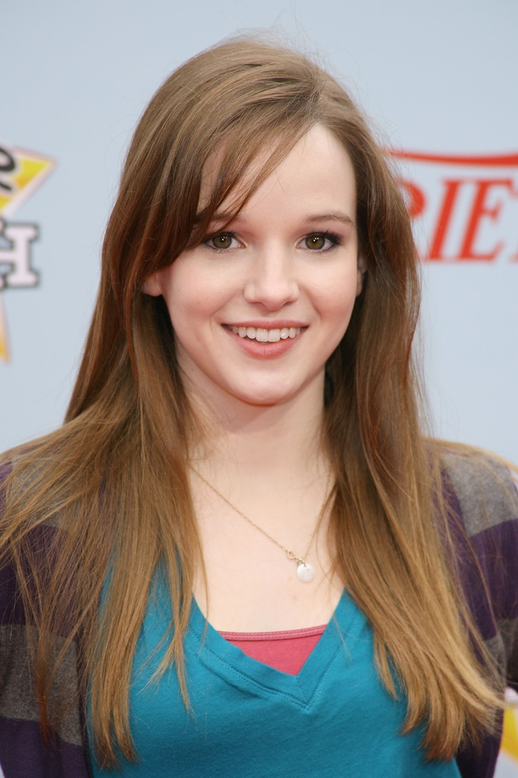 Danielle Panabaker Hair Color Hair Colar And Cut Style