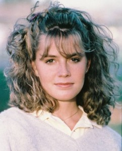 Elisabeth Shue Hair Color
