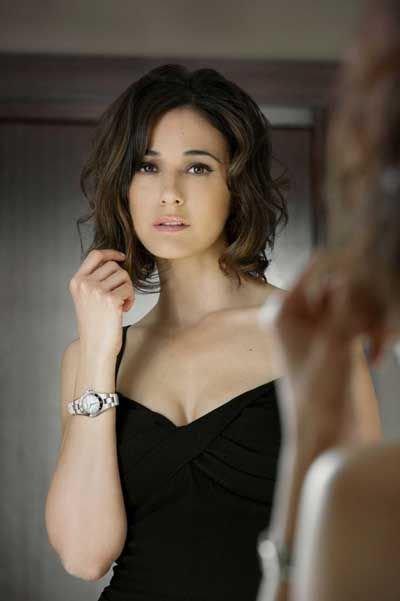 """Emmanuelle CHRIQUI pour  """"BAUME & MERCIER"""""""
